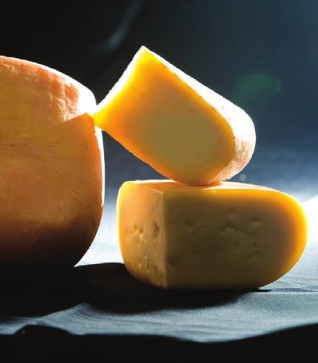 Producer: Toni Chueca Catalonia Goat 2-3 months Case size: Four 2 lb wheels 45110 FINCA PASCUALETE LA RETORTA 2015 Gold Award and Best Cheese in Spain Award, World Cheese Awards Finca Pascualete La