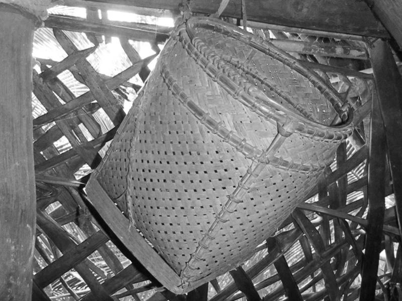 44 Ethnomedicine of the Palawan people of Mount Domadoway, Palawan, Philippines Baskets The kukuluan is a large basket made from buri. It is tied to the head using a cloth.