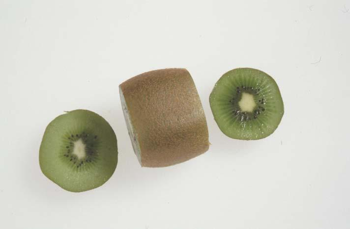 Test by REFRACTOMETER Sample preparation Kiwi fruit Cut the stem and blossom ends at a