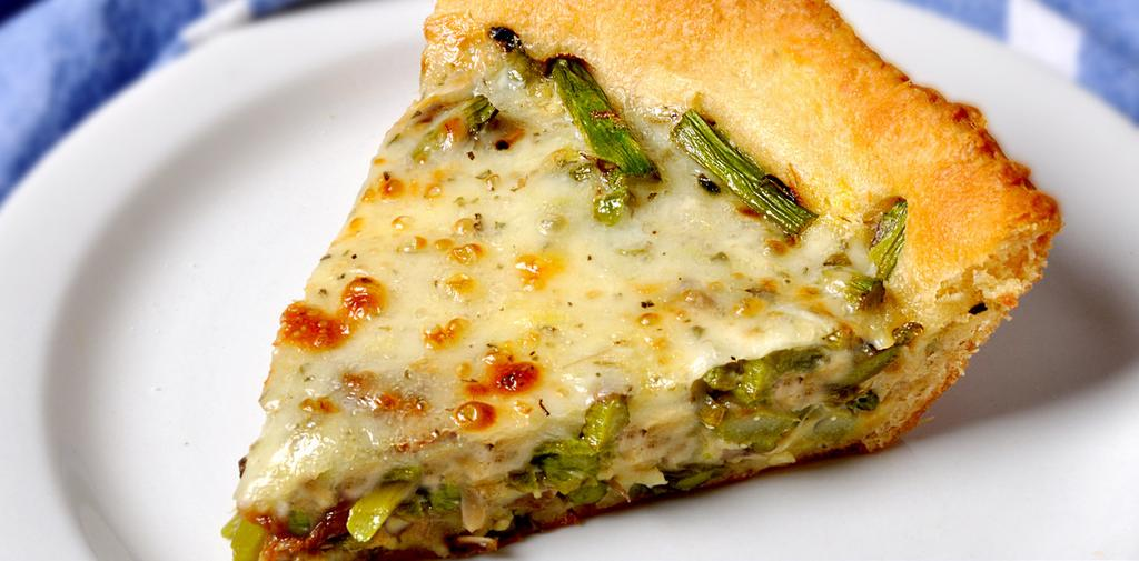 ASPARAGUS MUSHROOM QUICHE MAKES 8 SERVINGS 1 can crescent rolls 2 teaspoons prepared mustard 1-1/2 pounds fresh asparagus, trimmed and cut into 1/2-inch pieces 1 medium onion, chopped 1/2 cup sliced