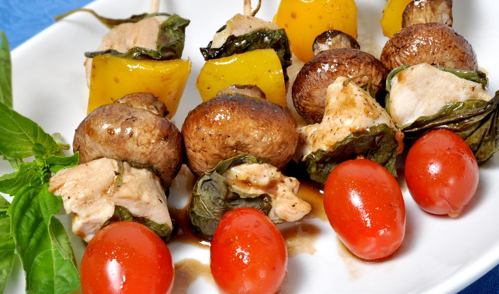 BASIL CHICKEN KABOBS MAKES 6 KABOBS 1/2 lb boneless chicken breast, cut into 12 cubes 12 large fresh basil leaves 1 yellow pepper, cut into 12 squares 6 medium white or brown mushrooms, stemmed 6