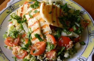 Halloumi & Bulgar Salad Serves: 4 150g Bulgar Wheat 6 Spring Onions, chopped 250g Cherry Tomatoes, halved 250g Halloumi Cheese, 8 slices 25g flat leaf Parsley, chopped 25g Mint, chopped Dressing 2
