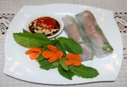 fish sauce Contains rice-vermicelli, green salad, mint or basil, celery, and one of