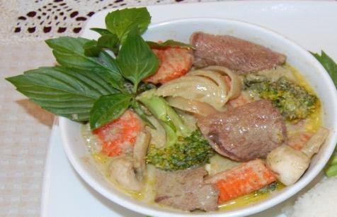 Green Curry with Chicken (white meat) (Ca -ri Thi t Ga