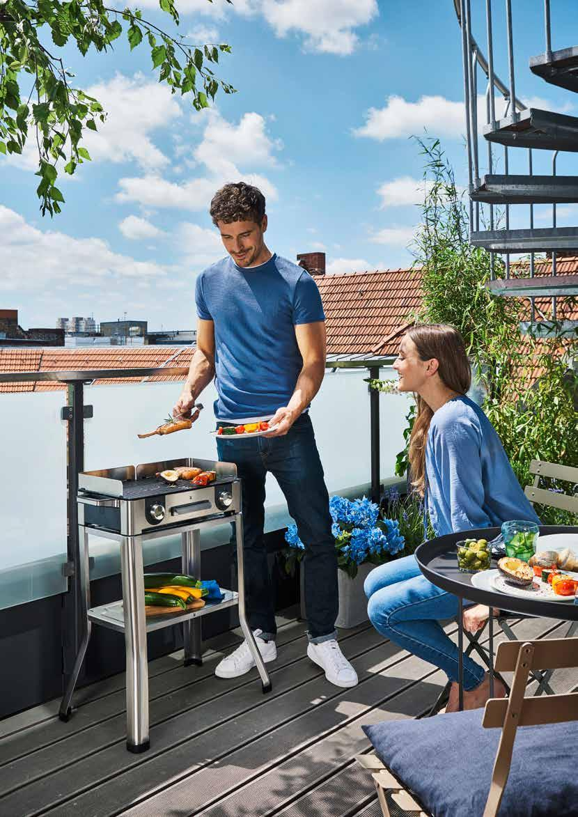 Sizzling meat, fish or vegetables. Plenty of room for lots of flavour. LONO FAMILY & FRIENDS with WMF Plug & Play with the WMF LONO electric grills.