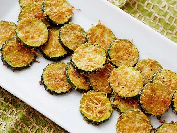 Pack & Portion Snacks Zucchini Parmesan Crisps *Submitted by Maria Dalmau Yields: 4 servings Serving Size: about ½ cup 1 lb zucchini ¼ cup shredded parmesan cheese ¼ cup