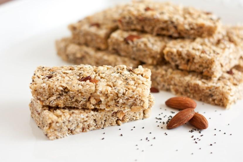 Almond Cereal Bars Yields: 10 bars 1/3 cup almond butter 1/3 cup honey 2 cups whole-grain cereal flakes 2 cups oat and bran O s cereal 2 TBSP dried, unsweetened cherries, chopped -Coat an 8-inch