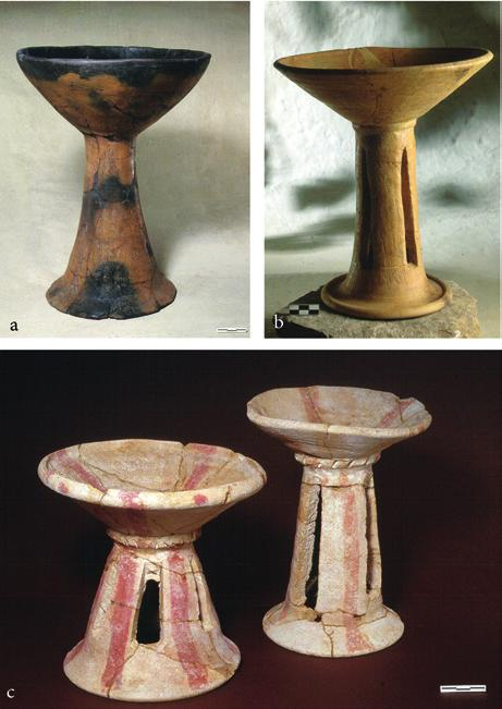 between inclusion and exclusion Fig. 5 Period VI A highstemmed bowls: (a) and (c) from A747, (b) from Temple B. A900. Photos R. Ceccacci, Archive MAIAO.