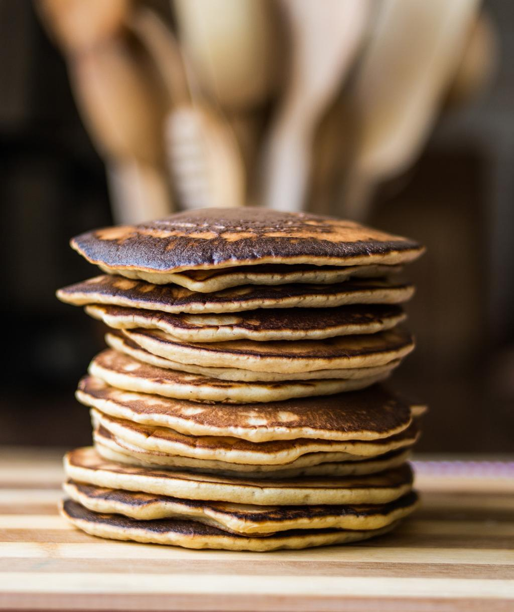EGG DISHES & BREAKFAST FOODS Grain-Free Protein Pancakes 2 scoops TLS Nutrition Shake Vanilla 1/3 cup unsweetened applesauce 2 eggs Cinnamon and nutmeg to taste Coconut oil Mix all ingredients