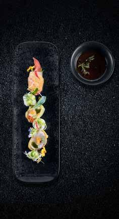 FUSION INTRODUCTION 5 En Welcome to an era in which inspiration has no borders, where chefs blend East with West, traditional and avant-garde recipes.