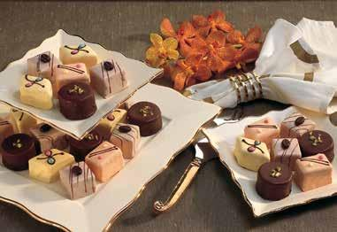2x10, 14sl/ea Only available for the xmas season Petit Fours Chocolate,