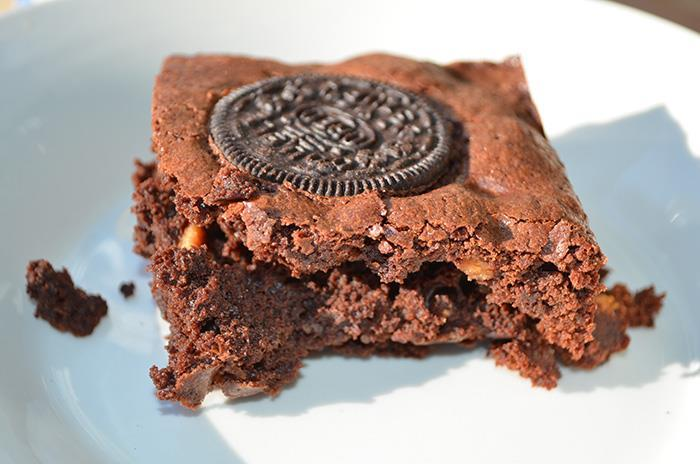 Best Brownies From Scratch 1 1/4 cups cocoa powder 1 stick butter (softened) 1/4 cup low-fat vanilla yogurt 1/2 cup semi-sweet chocolate chips 1/2 cup peanut butter chips 4 eggs 2 cups sugar ½ cup