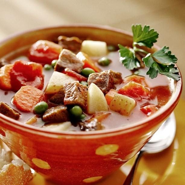 Winter Recipes Beef Vegetable Soup 1 pound boneless beef chuck roast, cut into 1 inch pieces 1 tablespoon cooking oil 2 (14.