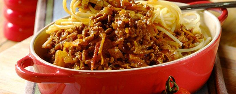 Classic Spaghetti Bolognaise Friday 8th September COOK TIME 00:45:00 PREP TIME 00:15:00 SERVES 4 After many years, people still enjoy a hearty bowl of spaghetti bolognaise - try this recipe to ensure
