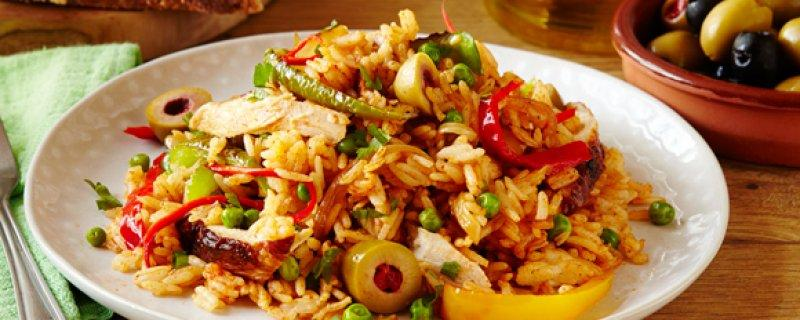 Chicken and Rice Thursday 7th September COOK TIME 00:30:00 PREP TIME 00:05:00 SERVES 4 Not to be mistaken for the typical Paella Española, this easy recipe is in a league of its own.