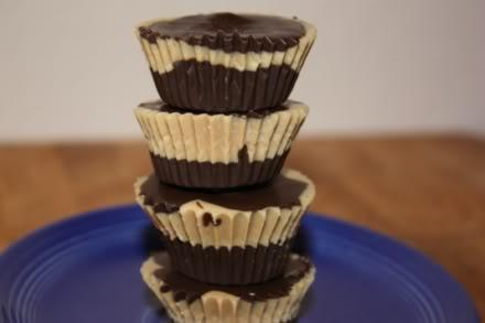 Easy Peanut Butter Cups 4 ounces white chocolate, chopped 1/2 cup smooth peanut butter 12 ounces semisweet chocolate, chopped (or use chocolate chips) Line two 12-cup mini muffin pans with paper