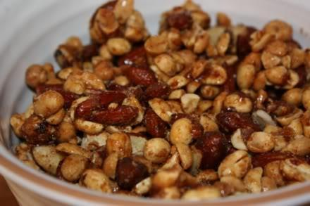 Easy Spiced Nuts 1 large egg white 1/4 cup sugar 1 teaspoon salt 1/2 teaspoon chili powder 1/4 teaspoon ground allspice 1/2 teaspoon ground cumin 2 1/2 cups pecan halves, or assorted nuts, such as