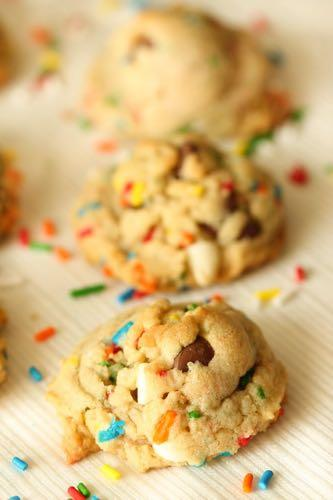 SMALLER FAMILY- LOADED FUNFETTI COOKIES D E S S E R T Serves: 36 cookies Prep Time: 10 Minutes Cook Time: 8 Minutes 1/2 cup butter (room temperature) 3/4 cup brown sugar 1/4 cup sugar 1 (3.