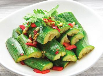 Salad 沙 SALAD 律 Cucumber Salad 5 Sesame Vinaigrette Dressing 黃瓜沙律 Garden Salad 5 Served with Ginger Dressing 田園沙律 Seaweed