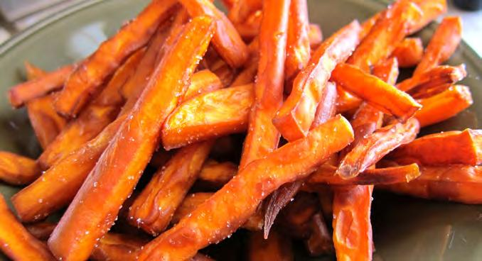 Baked Sweet Potato Fries Serves: 8 Serving Size: ½ cup 2 pounds sweet potatoes* or yams* 1 tablespoon oil (olive or canola oil) 1. Preheat oven to 400 F. 1. Peel sweet potatoes or yams.