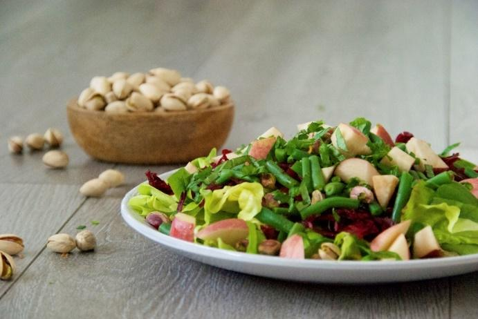 Sweet Salad [Serves 4] 1 large head of butter lettuce 1 handful of green beans, cut into ¼ inch 1 shredded beet 1 nectarine or peach, chopped ¼ cup shelled pistachios Dressing ¼ cup freshly