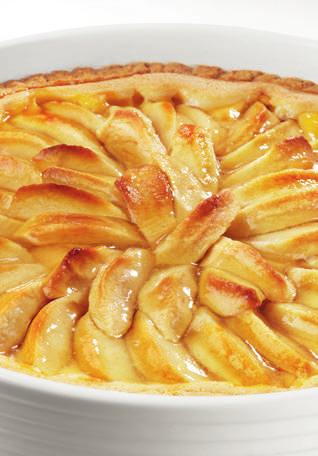 APPLE PIE Serves 6/8 4 apples 250 g of plain flour 50 g of butter 1 pinch of salt 80 ml of cold water 10g of baking powder 100g of sugar For the custard: 500 ml of milk 2 eggs 10g of corn flour 50 g