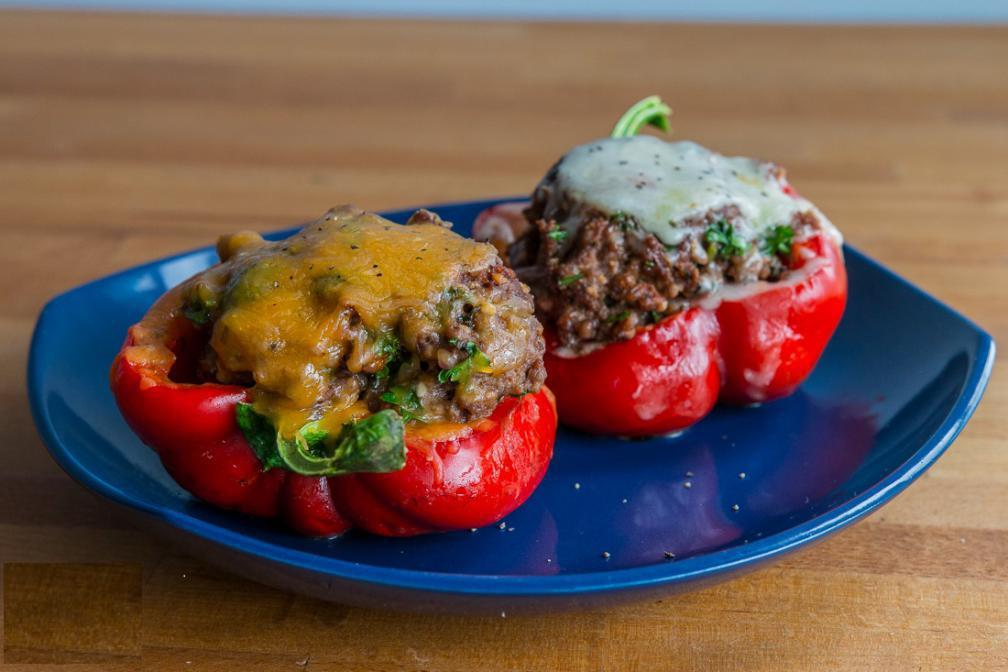 MICROWAVE STUFFED BELL PEPPERS 6 oz lean ground turkey 93/7 1) Season lean ground 1 medium bell pepper turkey. 6 tbsp parmesan cheese 2) Slice a bell pepper in half Seasoning and carve out the inside.