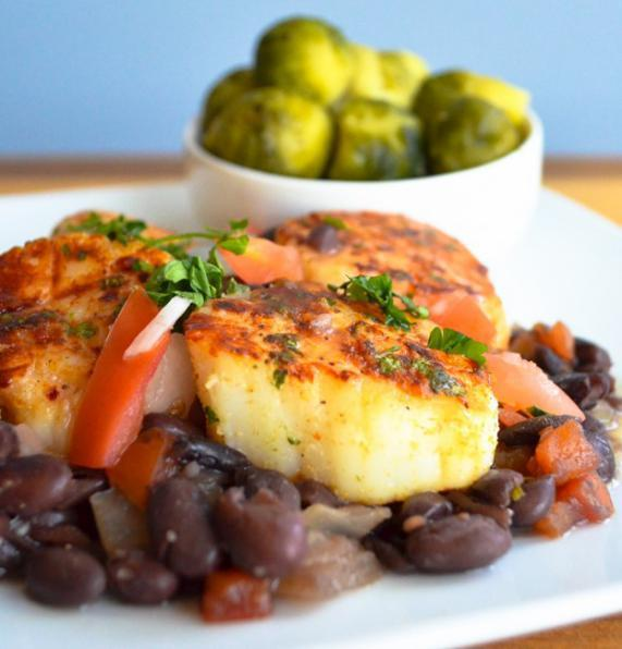 SCALLOPS, BLACK BEANS & BRUSSELS SPROUTS 1 cup black beans, drained 1) Place black beans to a 1/2 cup veggie broth pot.
