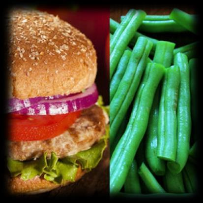 Dinner 300 Calories Turkey Burger With Green Beans 4 oz of lean ground turkey 2 tablespoons of chunky salsa 2 tablespoons of chopped red onion 1 whole grain bun 1 cup of steamed green beans Combine