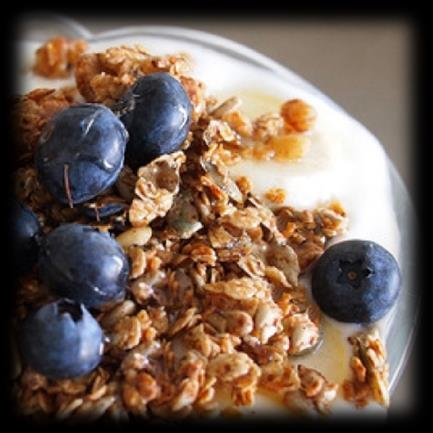 Breakfast 500 Calories Blueberry Parfait 1 cup of low fat milk 1 medium banana 1/2 cup of rolled oats 1 cup (30g) of