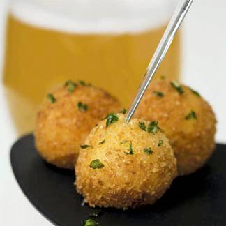 STEP 1: Appetizers PRAWN CROQUETTES The history of the «prawn croquettes» The prawn croquette s origin can be traced back to WW1, in the years 1915-1916. It come from Yser region.