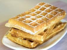 STEP 4: Dessert Brussels waffles and Belgian chocolate sauce The waffle Its origins would date back to the 14th century in Brussels.