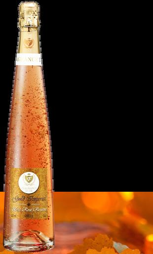 BRUT ROSÉ RESERVE Viña Fragrance D'or Brut Reserve is a sparkling wine from natural Macabeo, Parellada, Pinot Noir and Merlot, to achieve a sparkling classic but modern at the same time, according to