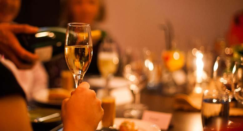 GALLERY ROOM christmas dining Immerse yourself IN A TRULY