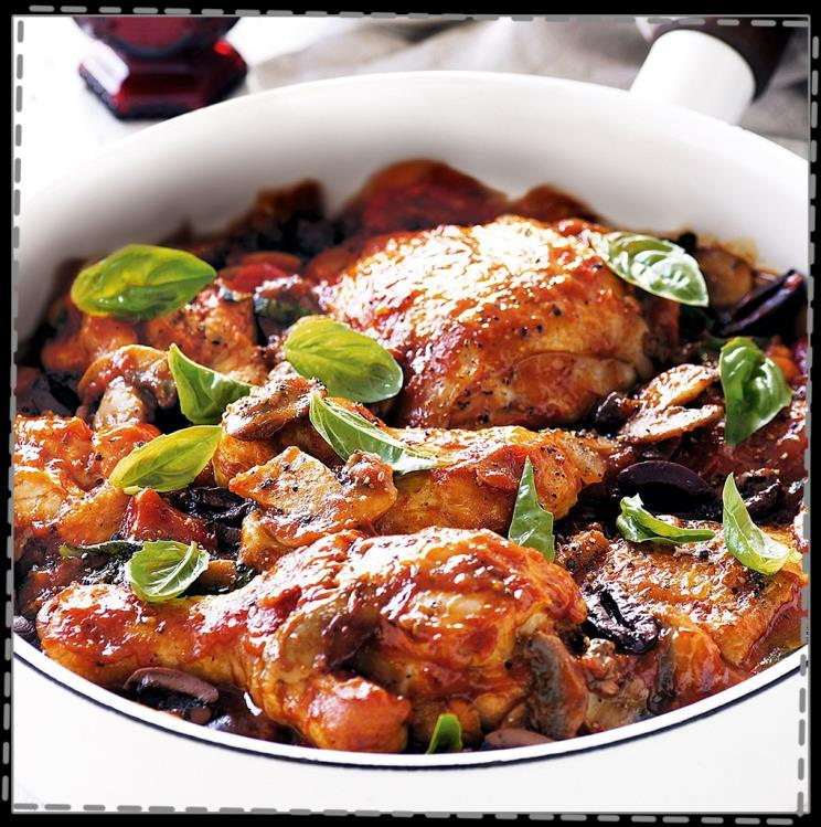 Easy Chicken Cacciatore Cook Time: 50 mins 4 thin-cut chicken breasts Olive oil 1/2 medium onion, diced 3 cloves garlic, peeled and crushed 4 ounces fresh green beans, ends trimmed 2 medium potatoes,