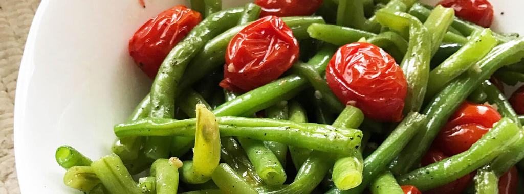 Roasted Green Beans & Tomatoes 5 ingredients 25 minutes 4 servings 1. Bring a large pot of water to a boil over high heat. Add beans and cook for 4 to 6 minutes or until tender.