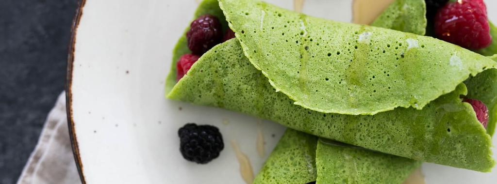 Spinach Blender Crepes with Berries 8 ingredients 15 minutes 2 servings 1. Combine spinach, almond milk and eggs in a blender and blend until smooth.
