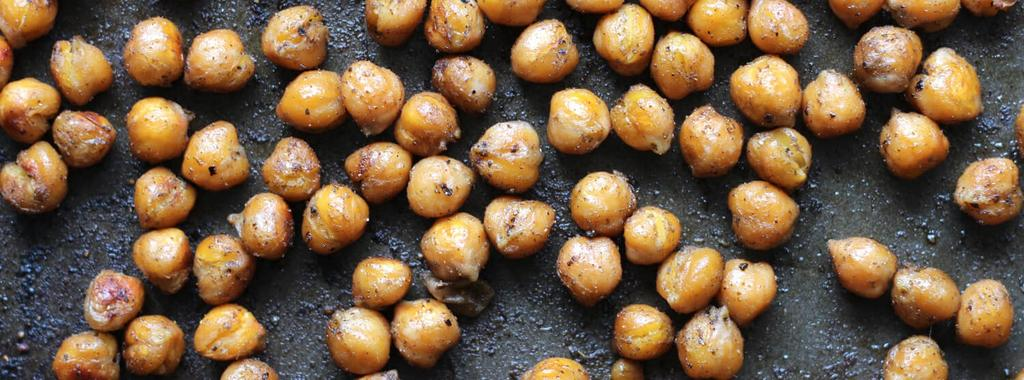 Savoury Roasted Chickpeas 5 ingredients 30 minutes 4 servings 1. Preheat oven to 400 degrees F and line a baking sheet with parchment paper. 2. Pat chickpeas dry with a paper towel.