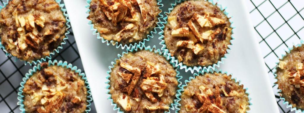 Apple Spice Muffins 11 ingredients 40 minutes 12 servings 1. Preheat the oven to 350 and line a muffin tin with wrappers. 2.