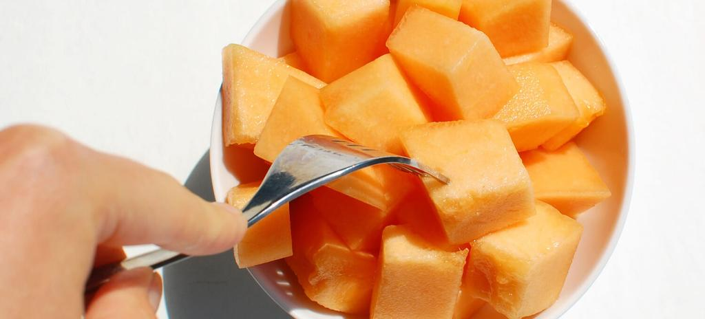 Cantaloupe #nutfree #eggfree #snack #vegan #vegetarian #paleo #glutenfree #dairyfree 1 ingredients 5 minutes 1.