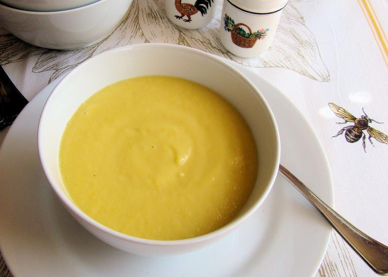 Zucchini and Yellow Squash Soup 2 cloves chopped garlic 1 1b. zucchini- cut into chunks 1 lb. yellow squash- cut into chunks 1 lb.