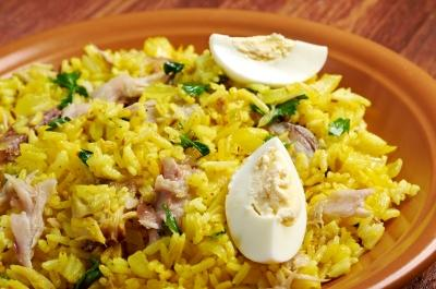 Quick Kedgeree Brunch Breakfast Serves: 4 225g Smoked Salmon, cut into strips 400g Basmati Rice 4 Eggs, hard boiled & chopped 25g Butter 1 tbsp Hot Curry Powder 700ml Chicken Stock small bunch of