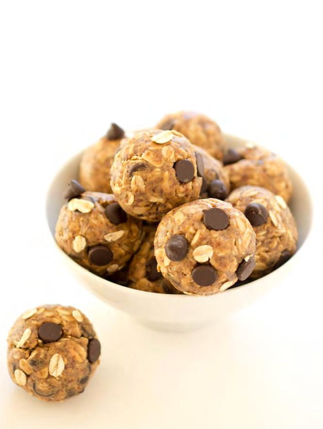 5 Ingredient Peanut Butter (Almond Butter) Energy Bites Servings: 12 bites ⅔ cup creamy peanut butter* ½ cup semi-sweet chocolate chips* 1 cup old fashioned oats* ½ cup ground flax seeds 2 tbsp.