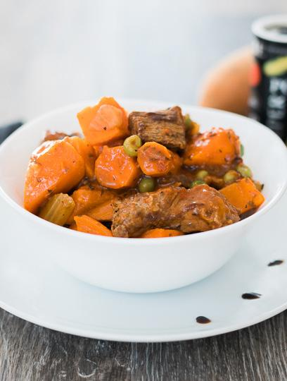 Beef and Sweet Potato Stew Slow Cooker Recipe 6 servings 2 lbs. stewing beef 1 Tbsp. flour ¼ tsp. salt 1 tsp. pepper 1 Tbsp. canola oil 1 Tbsp.