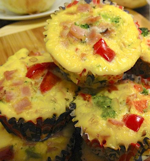 Week Plan Recipes Week of September 10 - September 16 Omelet Muffins Total Time: 30 minutes Cook Time: 30 minutes Calories 325 Carbohydrate 7g Protein 26g Fat 21g 8 large egg(s) 1/ 8 cup(s) water 1/