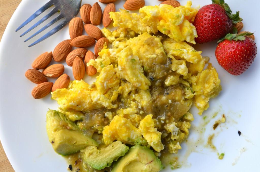 Eggs with Avocado and Salsa Servings 2 Total Time: 10 minutes Cook Time: 10 minutes Calories 415 Carbohydrate 13g Protein 21g Fat 32g 4 large egg(s) 1/ 2 medium avocado(s) sliced 1/ 2 cup(s) almonds
