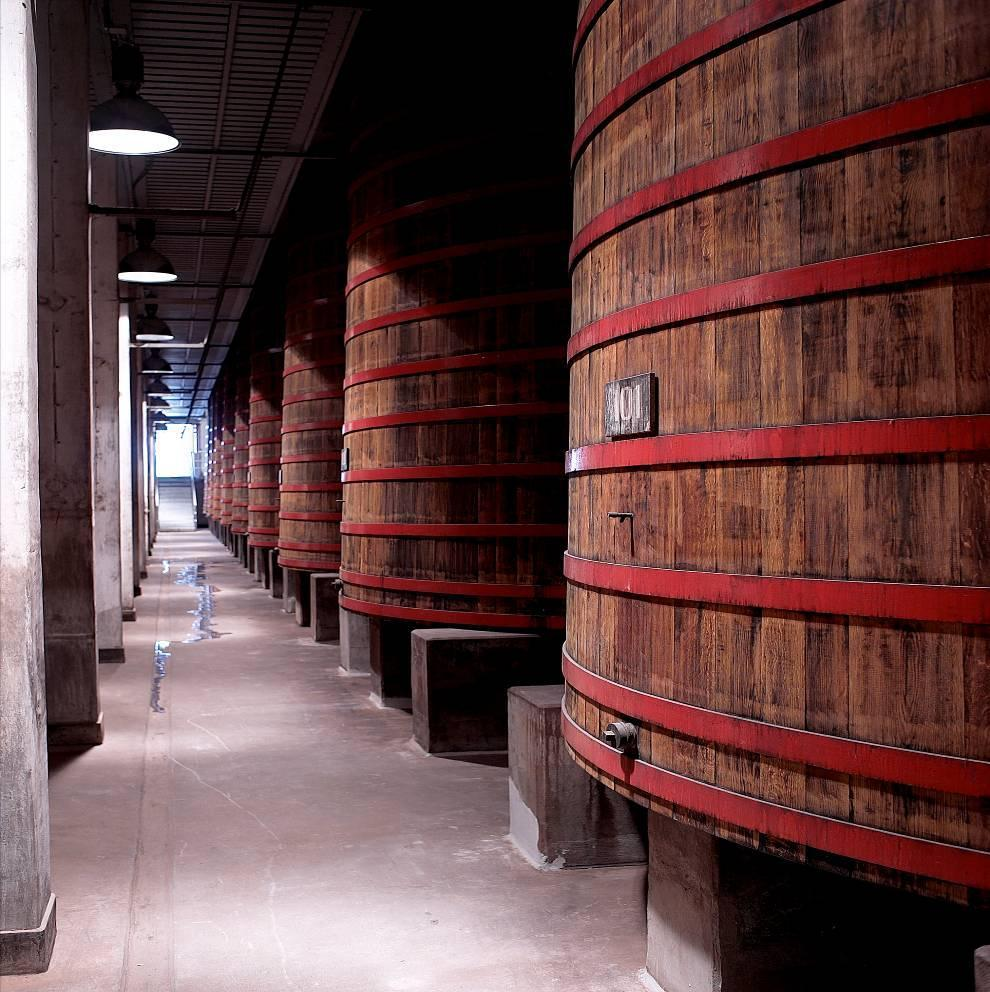 Rodenbach Brewery Production Plant Maturation (2) Vat room 4 18 vats of 650hl built in 1936 At that time the
