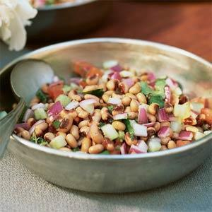 Black Eyed Peas 1 cup dried black eyed peas 1 / 8 cup vegetable oil 2 onions 1 tsp finely chopped fresh ginger root 1 garlic clove 1 tsp chili powder 1 ½ teaspoon sea salt 1 ½ teaspoon coriander 1 ½