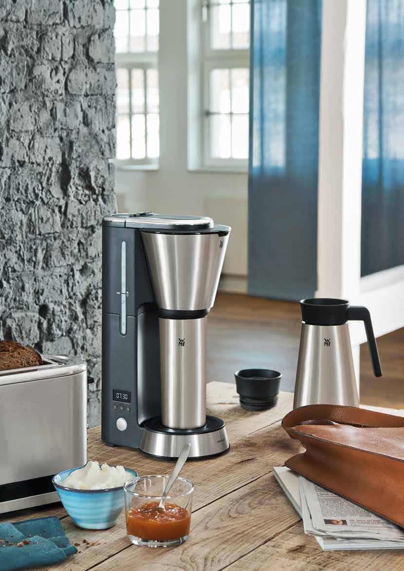 URBAN LIFESTYLE with WMF Brew, take away, keep warm. Enjoy fresh coffee for hours. Great coffee for small spaces and on the go. The best way to fortify yourself is to drink good coffee.