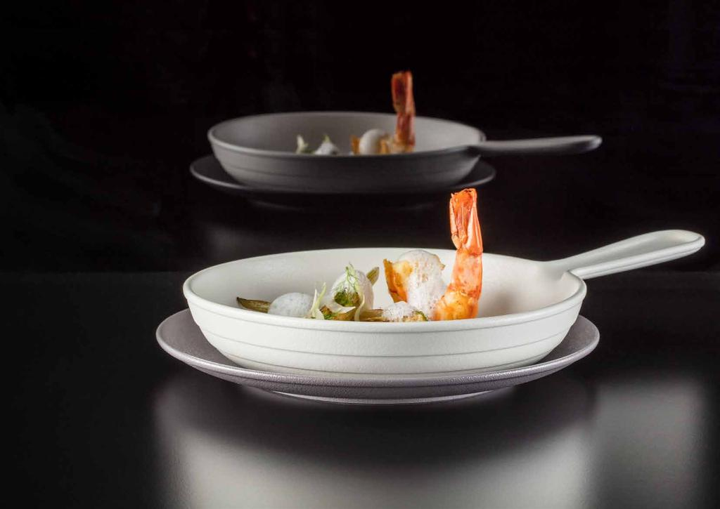 CHEF'S FUSION ADDITIONS 9 En CHEF S FUSION offers cocottes, casserole dishes, soup tureens, plates, pans and mini pans, ideal for cooking and maintaining temperature.